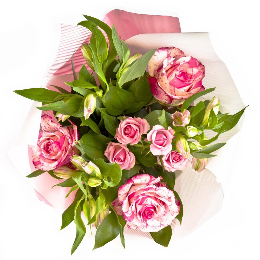 Букет из роз, альстромерий, кустовой розы и зелени
